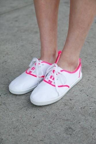 Neon piping sneakers diy