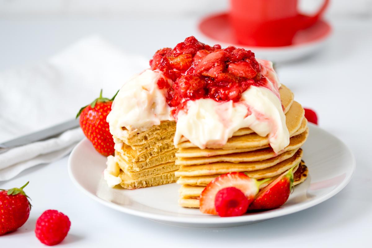 Strawberry cheesecake pancakes 4