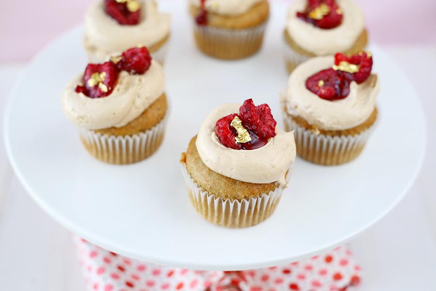 Vegan hazelnut raspberry cupcakes