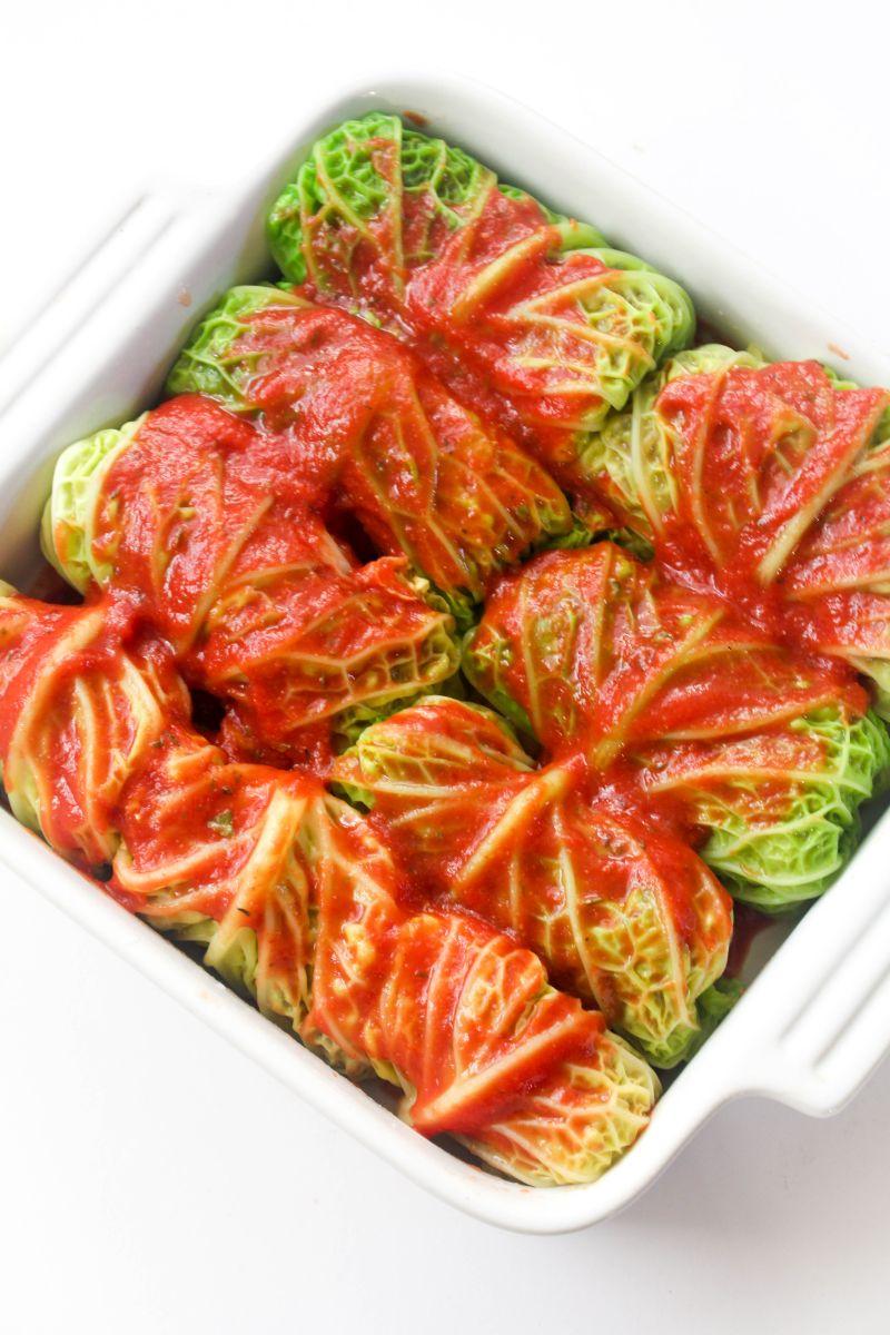 Vegetarian cabbage rolls sauce