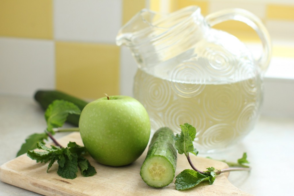 Apple cucumber mint water