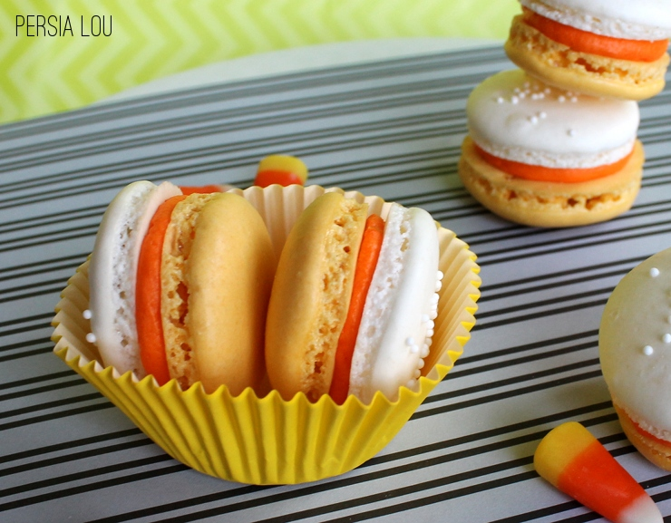 Candy corn french macaroons
