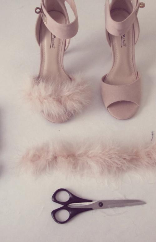Fluffy heels diy