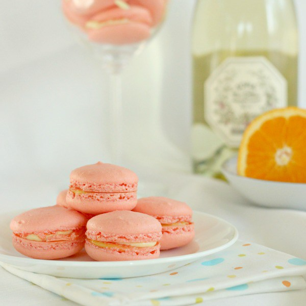 Mimosa french macaroon