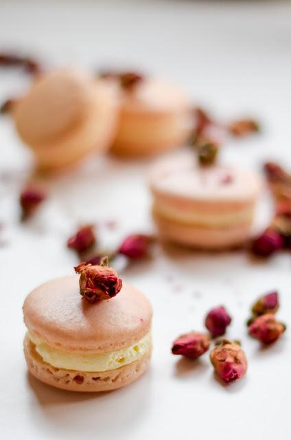 Rose vanilla macarons