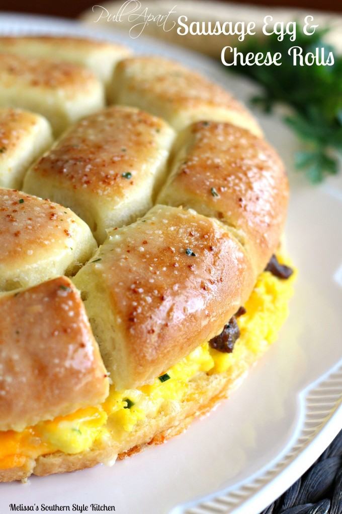 Sausage and egg pull apart rolls recipe