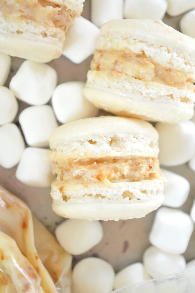 Toasted marshmallow macarons