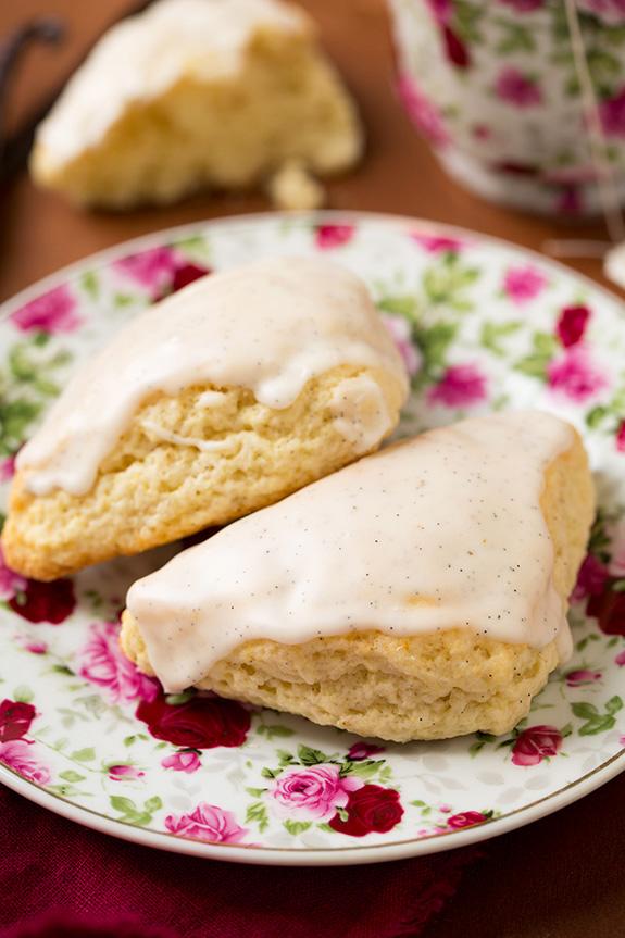 18 vanilla bean scones