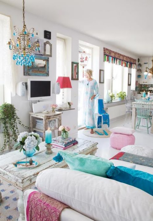 18 white and color bohemian room