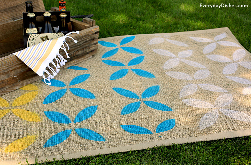 21 stenciled outdoor rug