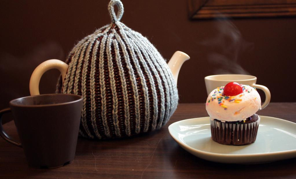 Cinnamon brioche teapot cozy