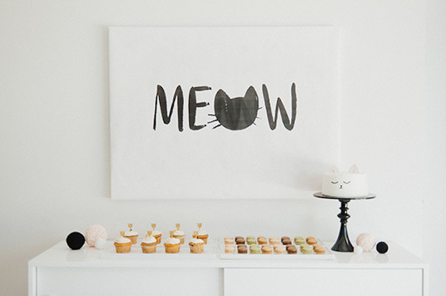 Diy %22meow%22 canvas