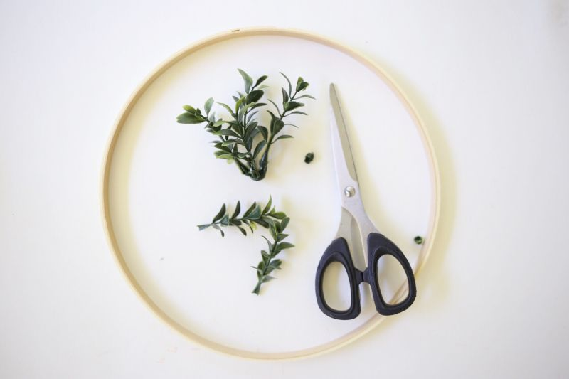 Diy floral photo display step1
