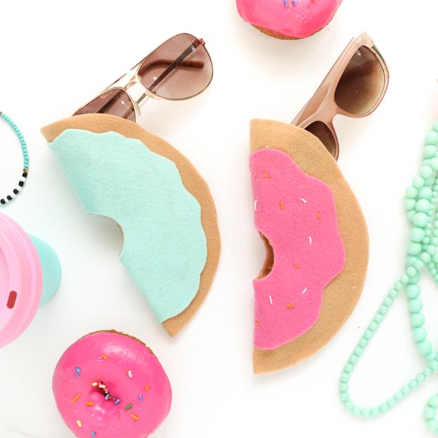 Doughnuts case