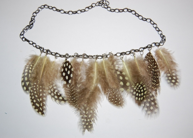 Feathered chain necklace