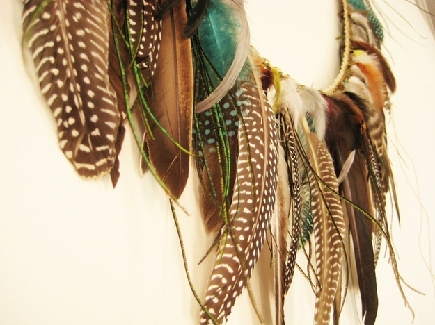 Feathered garland