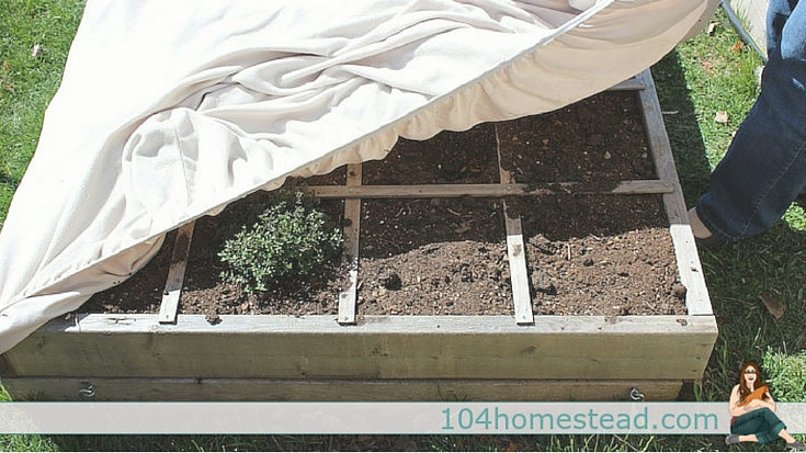 Fitted sheet garden cover