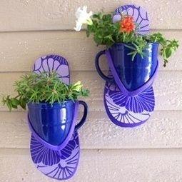 Flip flop wall planters