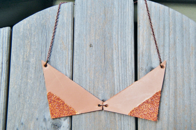 Leather and glitter collar necklace