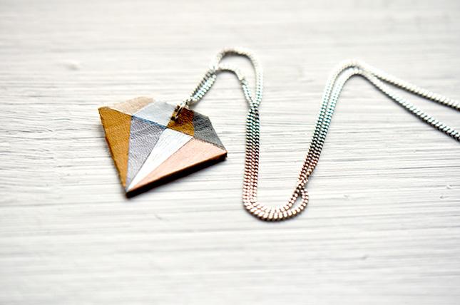 Leather diamond necklace