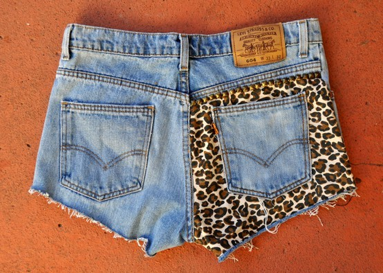 Leopard print seat shorts