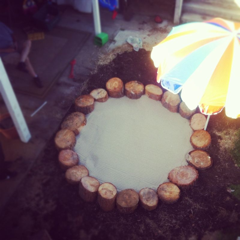 Tree stump sand circle