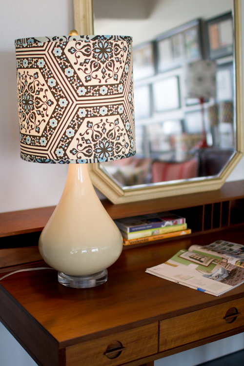 20 diy lampshades that will reinvent traditional home lighting upholstery lampshade diy solutioingenieria Images