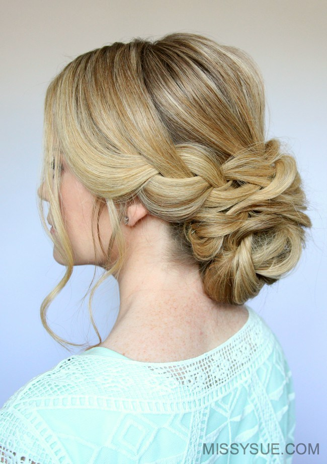 Bridal low bun hairstyle diy