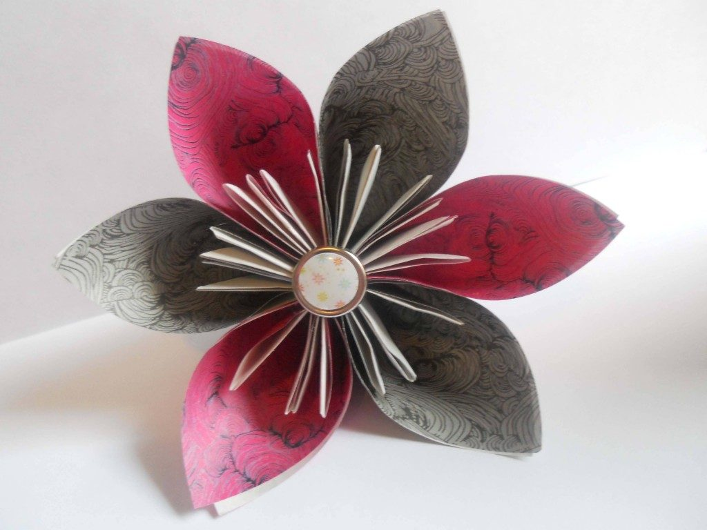 Decorate Your Home with These Beautiful Origami Flowers - photo#46