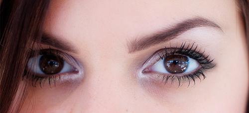 1 easy smokey eyeliner