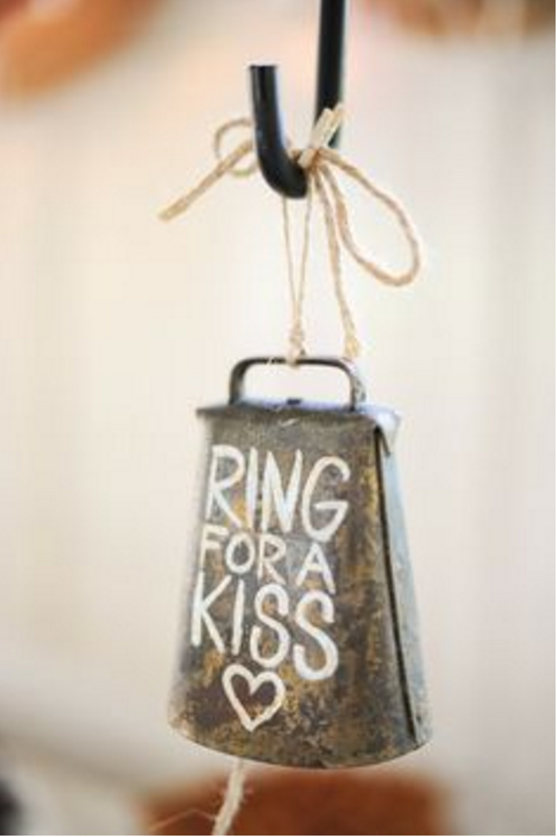 40a wedding kiss bell
