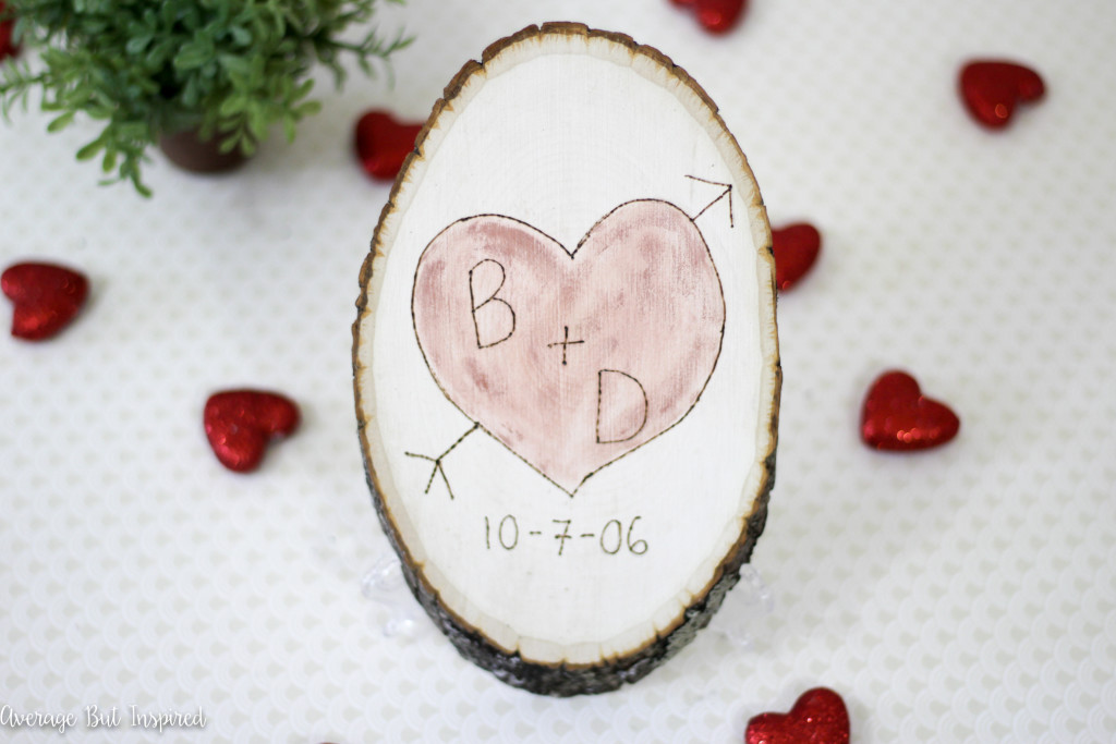 5 wood slice heart sign