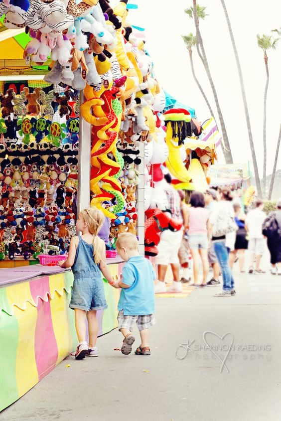 At the fair family photoshoot ideas