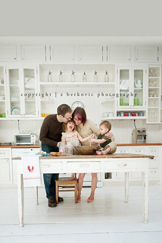 Baking family photoshoot idea