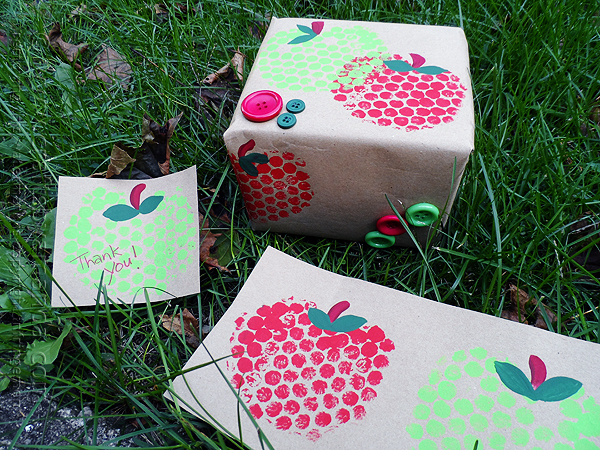 Bubble wrap apple stamps