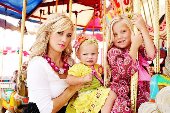 Carousel family photoshoot idea