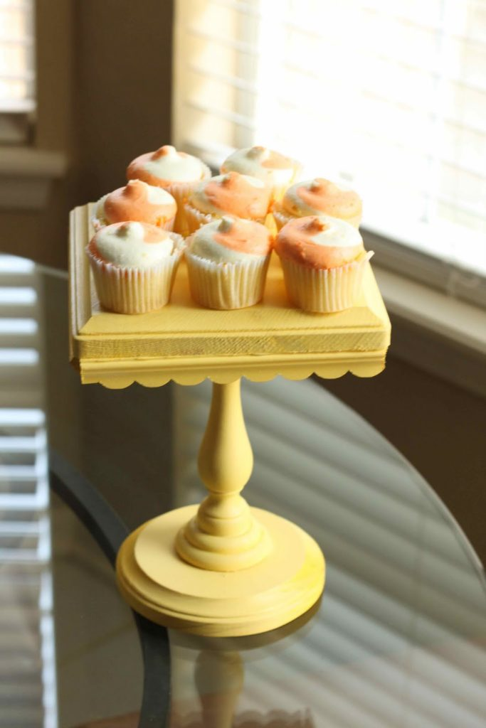 15 Awesome DIY Cake Stands