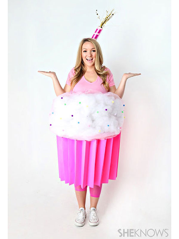Cupcake costume diy  sc 1 st  DIYS.com & From Bananas to Tacos: These 50 Food Costumes Are Easy To DIY!