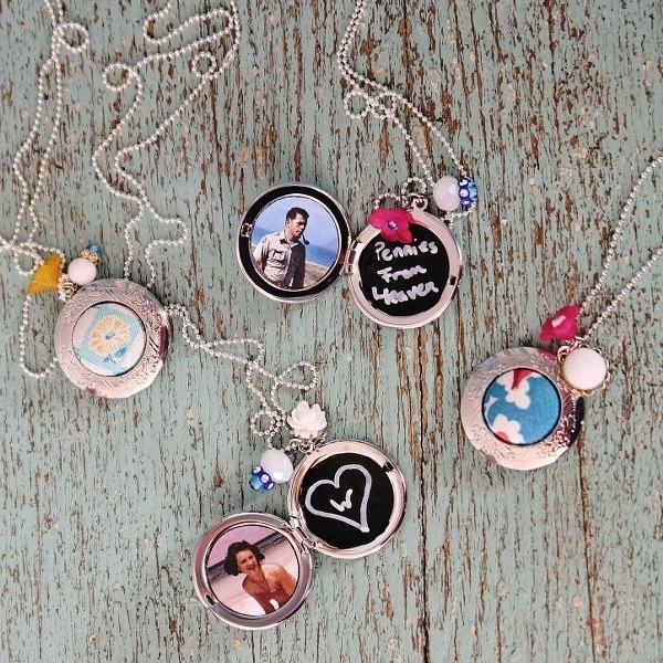 Customizable photo locket necklaces