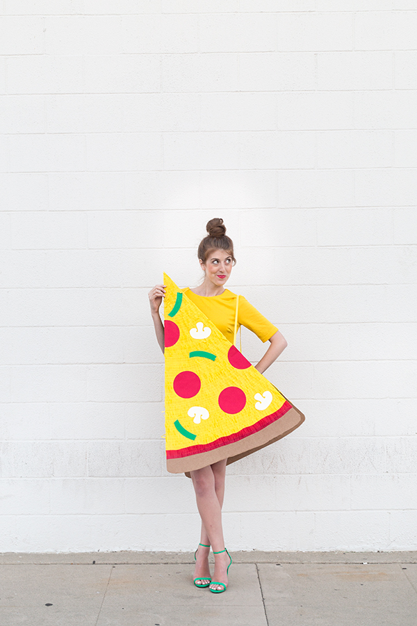 Diy pizza slice and delivery boy couples costume7