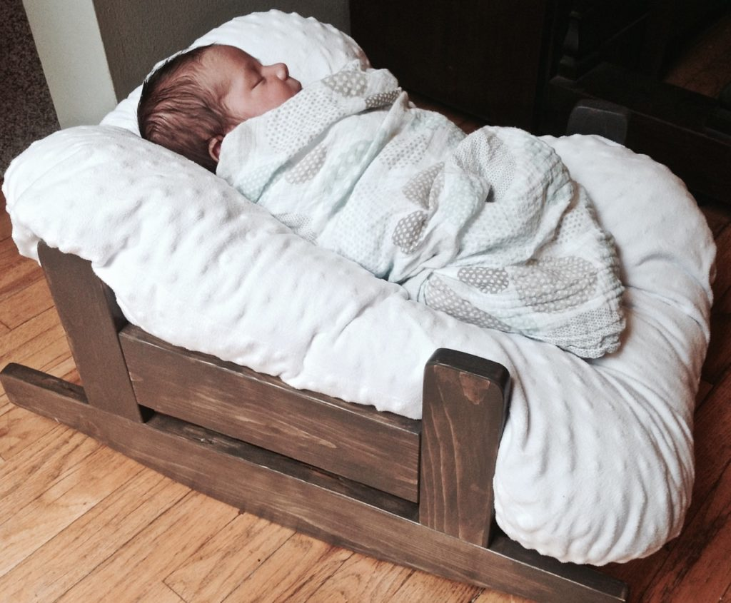 Diy wooden pillow lounge cradle