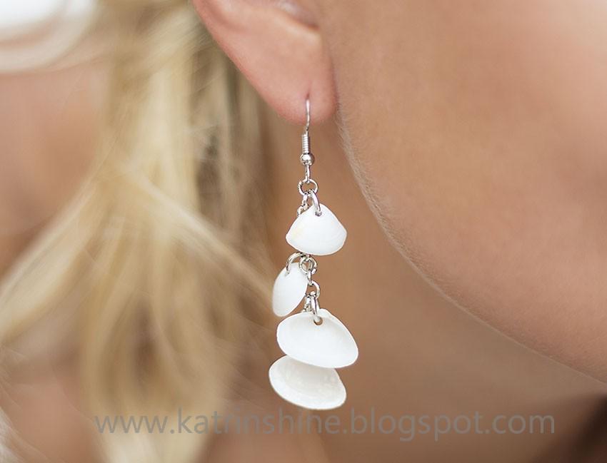 Dangling seashell earrings