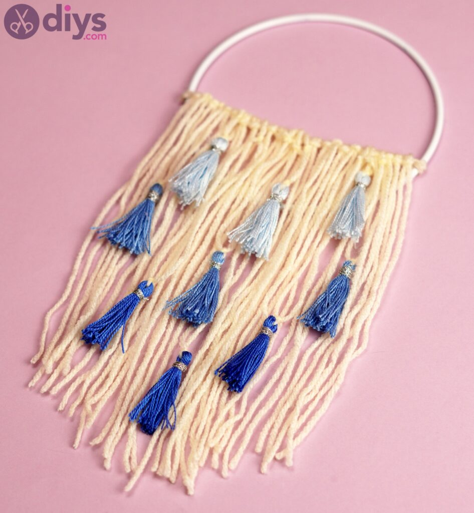 Hoop and yarn