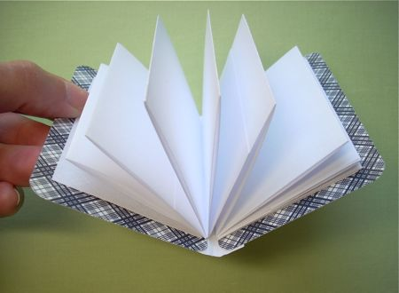 Playing card accordion notebooks