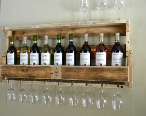 Reclaimed wooden pallet wine rack