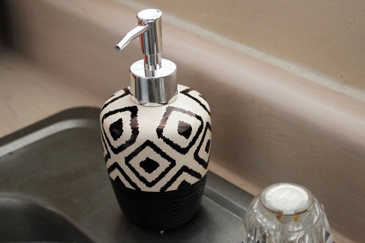 Sharpie pattern soap dispenser