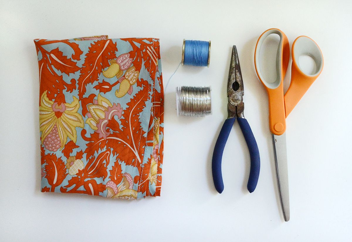 Supplies to make a wired hair bow