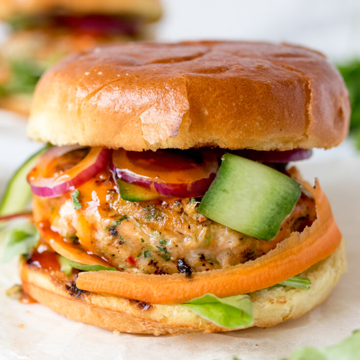 These spicy Thai fish burgers are bursting with flavor. So easy to prepare too!