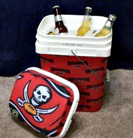 Travel cooler for tailgate parties