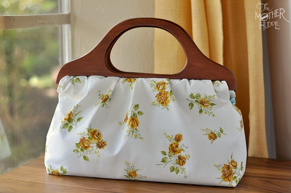 Vintage linens handbag with wooden handles